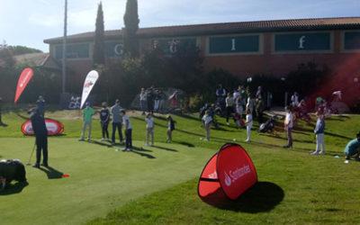 El Oso Bogey visitó Golf Park y sacó una sonrisa a todos los pequeños golfistas