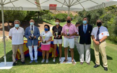 Juan Fernández-Ardavín y María Rodríguez, ganadores del Campeonato de España Senior de Pitch & Putt 2021